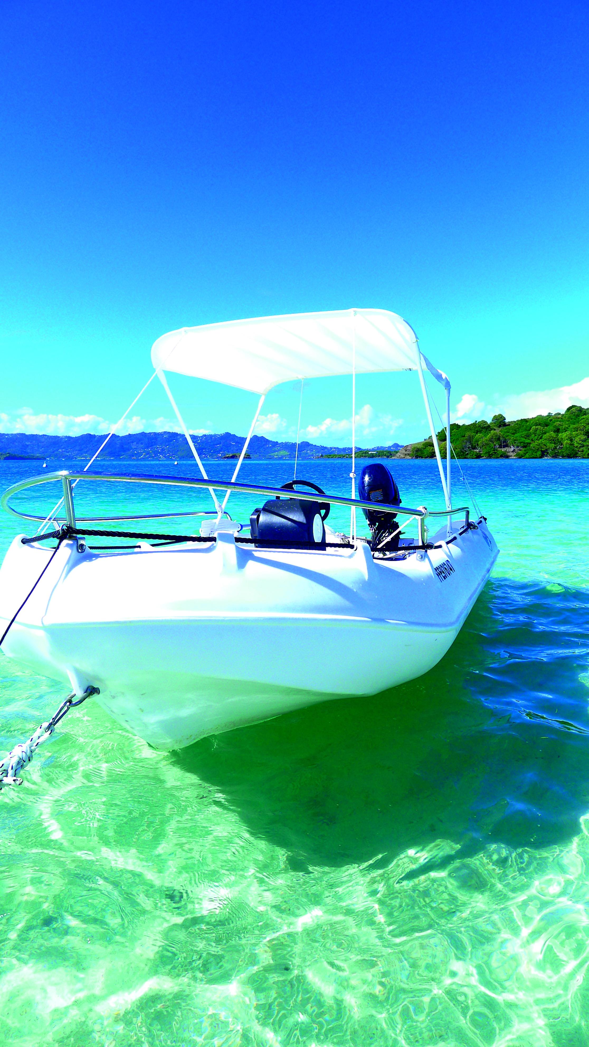 location bateau martinique sans permis et moteur ticanots. Black Bedroom Furniture Sets. Home Design Ideas